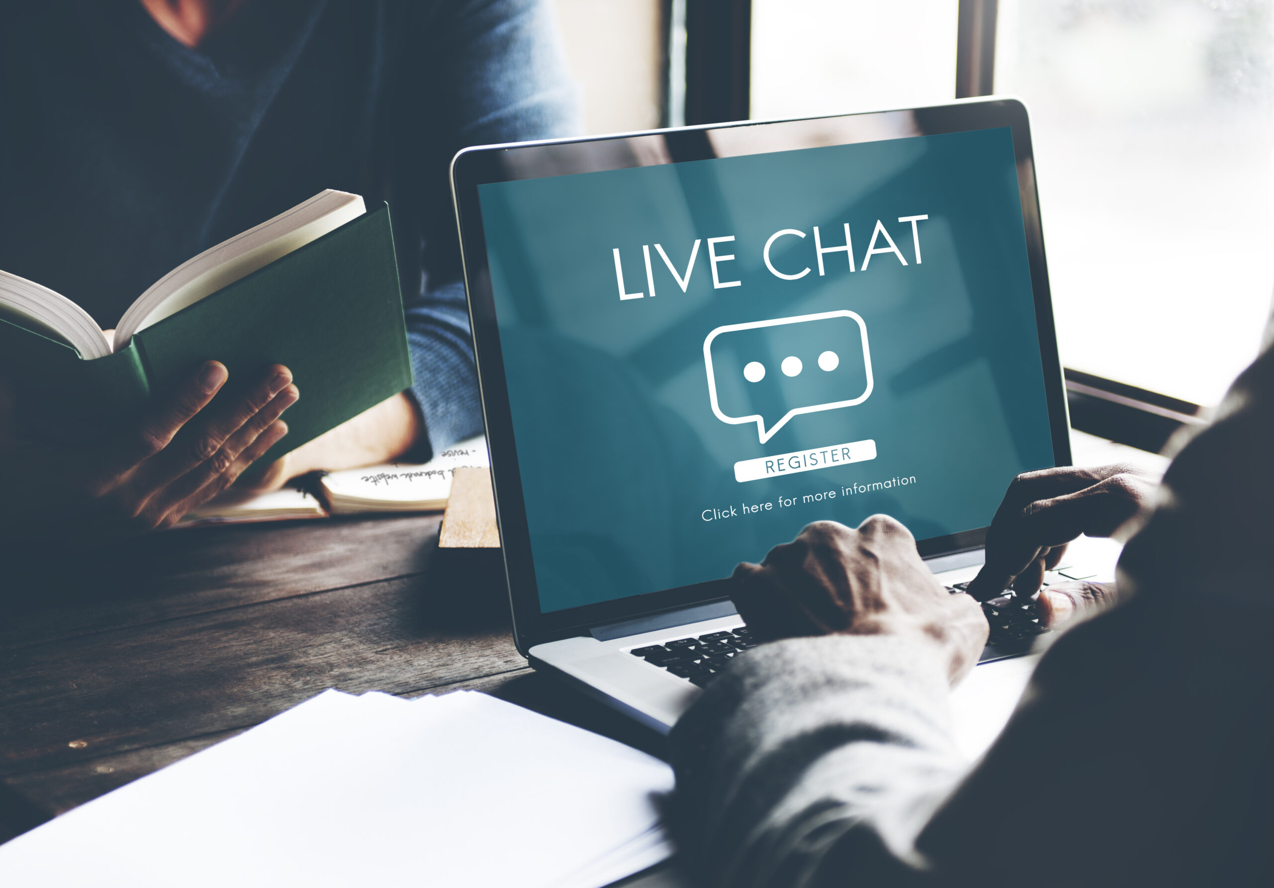Examples of the Implementations of Live Chats in the world